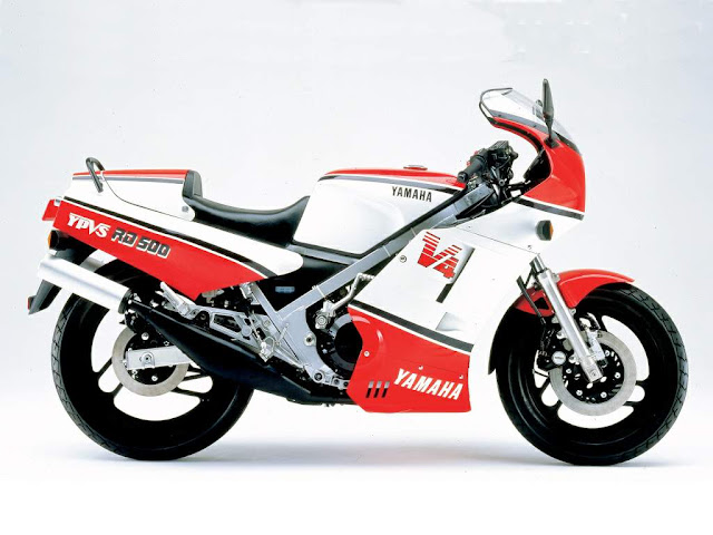 Yamaha RD500LC Tail Look