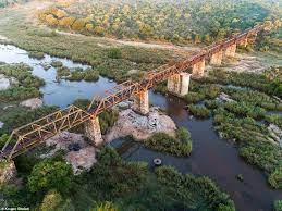 African Railroad Lodging, Kruger Shalati The Train on the Bridge
