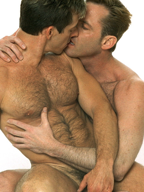 2 Naked Guys Kissing