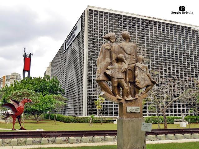 Vista parcial do Museu de Esculturas ao Ar Livre da ALESP - Paraíso - São Paulo