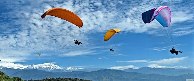 Paragliding facing the Annapurna range