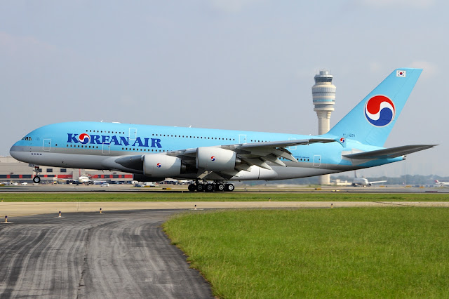 Korean Air A380 Rotating Takeoff