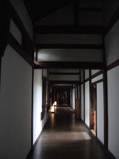 corridoio di legno del castello