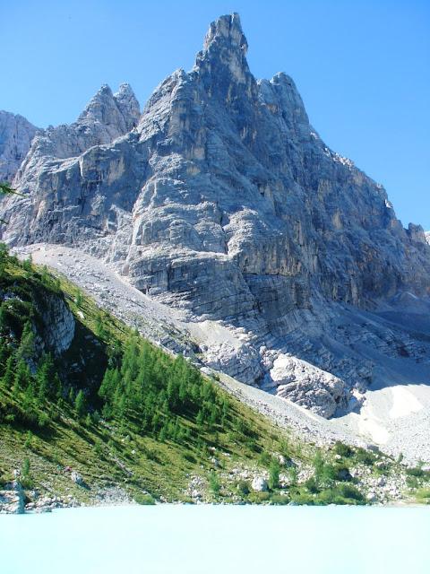 Lago Sorapiss e Rifugio Vandelli - Dito di Dio