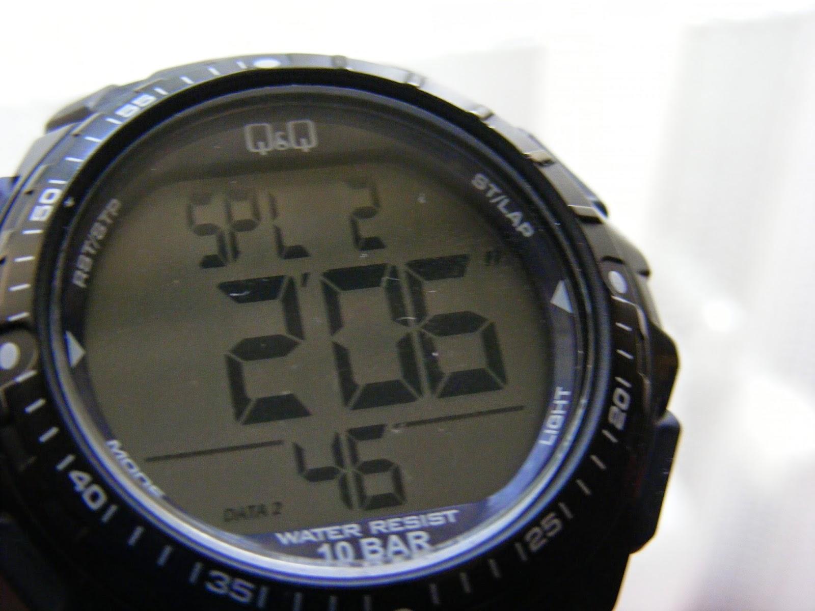 sport digital watch split