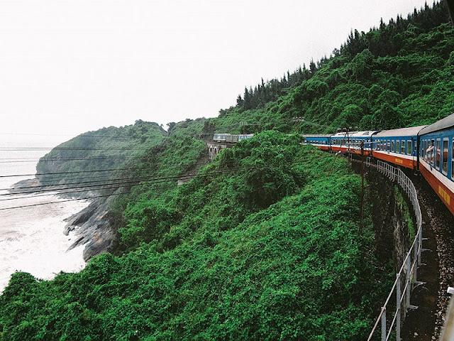Hai Van Pass viewed from train 1