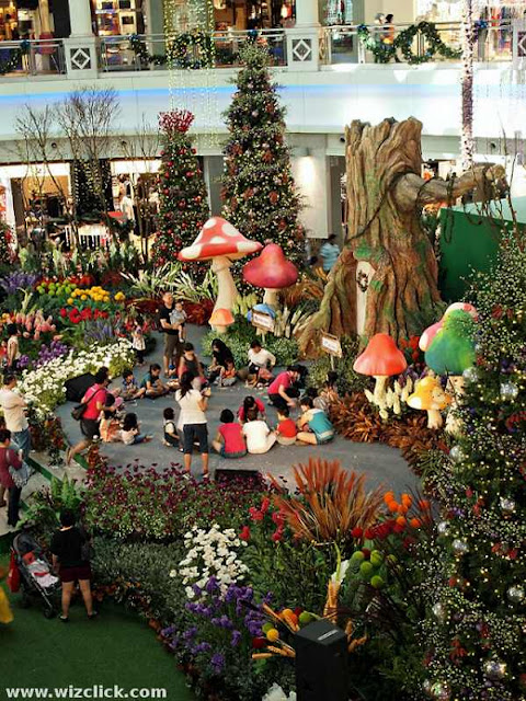Kids Having Fun at Whimsie Forest of The Curve Shopping Mall Christmas 2012.
