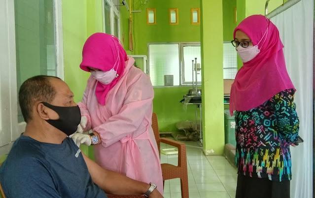 Ratusan Calon Jemaah Haji Terdaftar Penerima Vaksin Covid-19 di Puskesmas Balangnipa