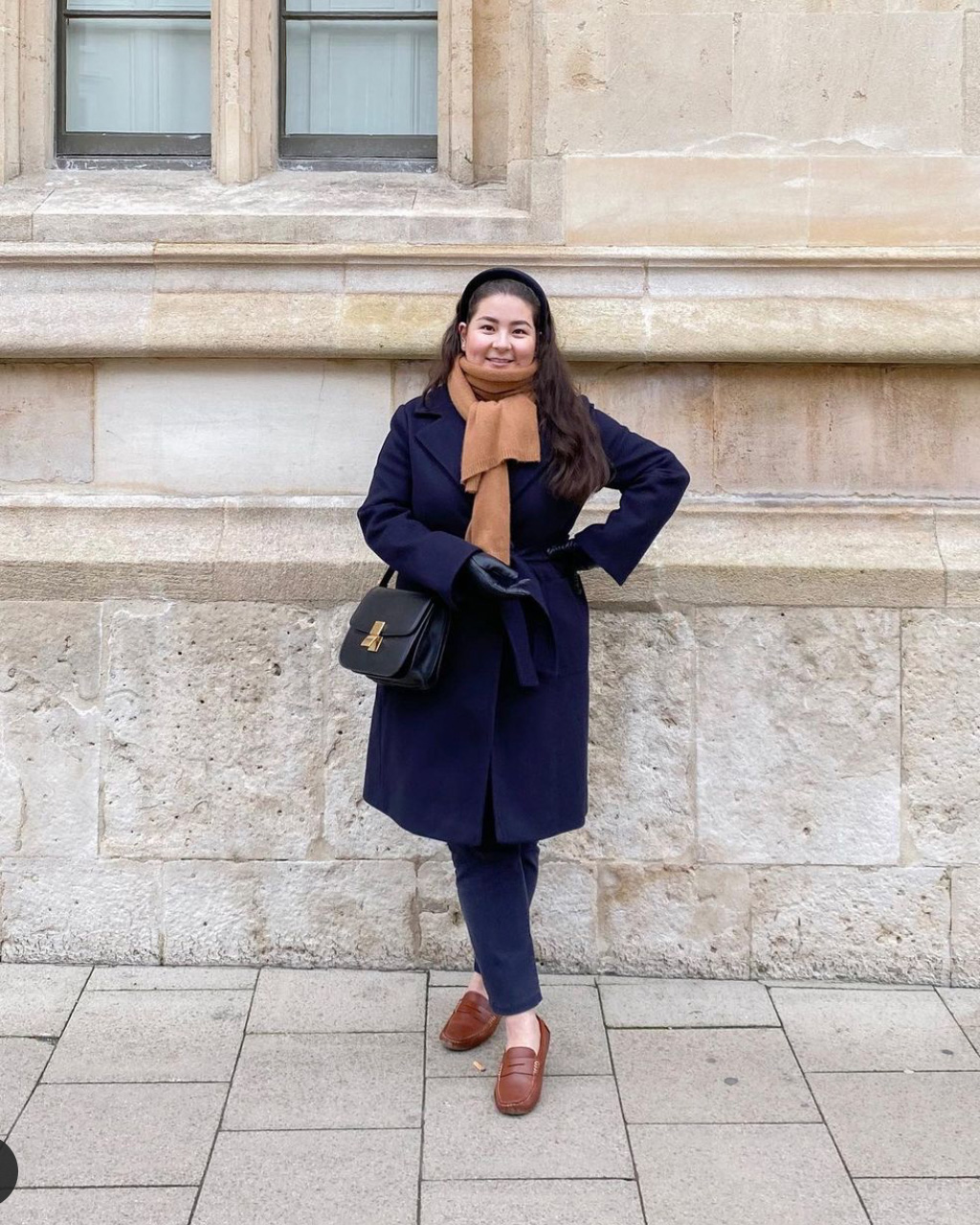 Midsize-classic-style-outfits-navy-camel-winter