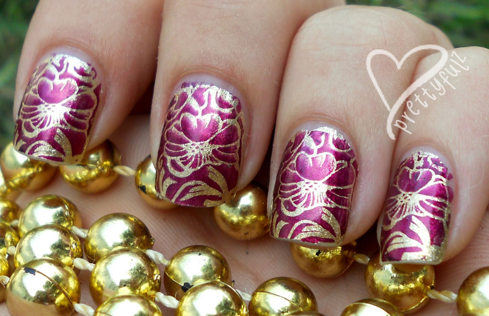 Prettyfulz: Bundle Monster Hawaiian Nail Art Design!