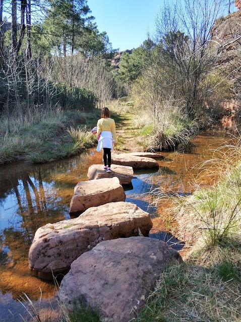 Paso de piedras del rio linares