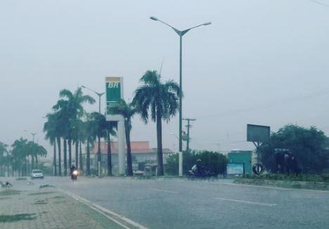 Previsão é de mais chuva durante à noite em Alto do Rodrigues