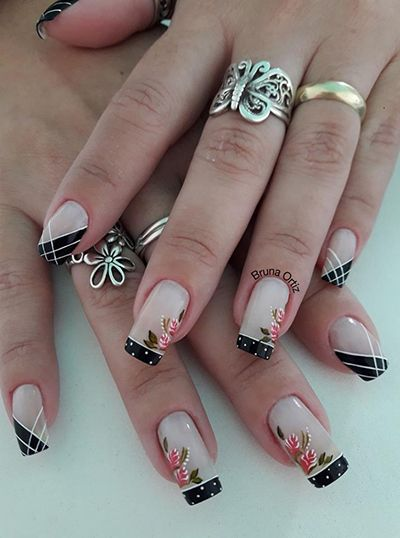 decoração de unhas em preto