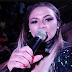 Cantora de forró morre após sofrer mal súbito no meio do show