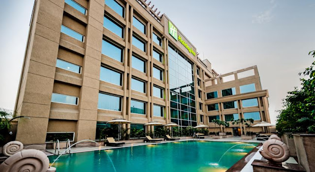 Holiday Inn Amritsar Ranjit Avenue presents a contented accommodation.