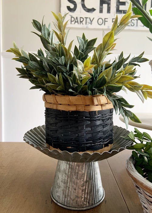 Paint thrift store baskets for updated planters for your home