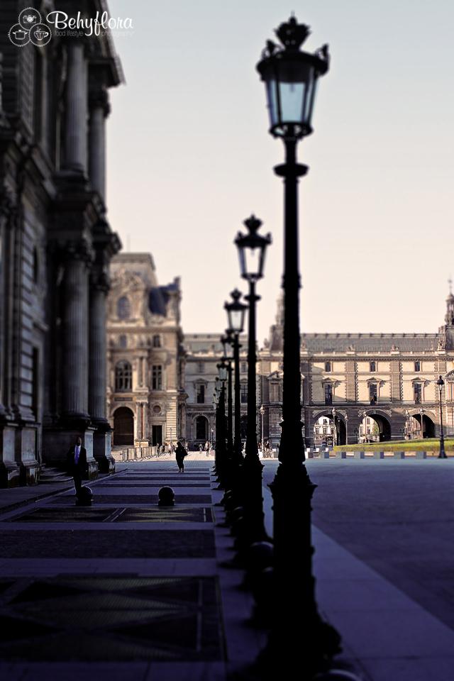 Der Louvre am frühen Morgen