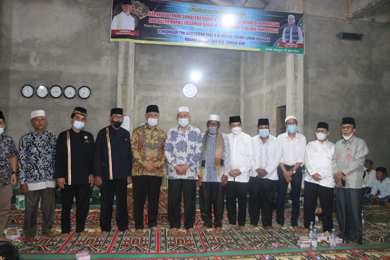 Gubernur Mahyeldi Safari Ramadhan ke Masjid Taqwa Lubuk Juangan Pasbar