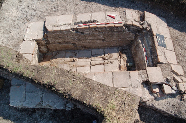 1,800-year-old head-shaped balsamarium found in Bulgaria