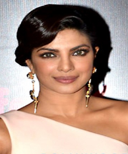 Priyanka Chopra's High-Shine Look