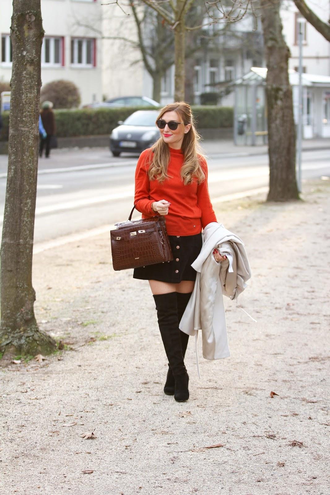 Frankfurt-Fashionblogger-Picard-Kroko-Tasche-Hermes-tasche-lookalike-Gerry-Weber-creme-Mantel-Rock-mit-knöpfen-orangener-Pullover-Streetstyle-Streetstyleblogger-Fashionstylebyjohanna