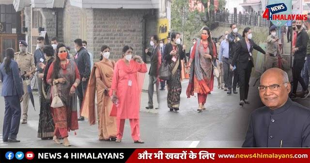 हिमाचल: सड़कों पर निकलीं राष्ट्रपति की बेटी, आम लोगों को नहीं होने दी कठिनाई, देखें तस्वीर