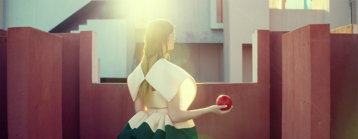 Delpozo Spring Summer 2016 - Fashion film - El amor en su laberinto