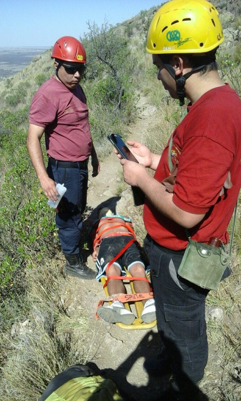 Un joven alcoholizado fue rescatado en el Cerro de la Cruz