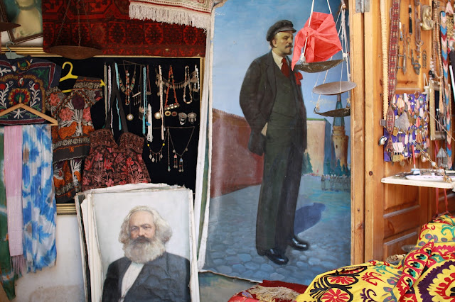 Ouzbékistan, Boukhara, Marx, Lénine, © L. Gigout, 2010