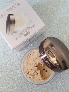 Laura Mercuer Translusent powder glow