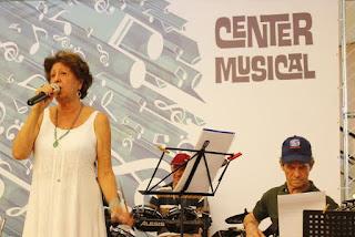 Center Shopping Rio realiza show em homenagem ao Dia das Avós