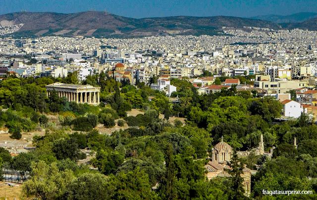 A Ágora Antiga de Atenas vista da encosta da Acrópole