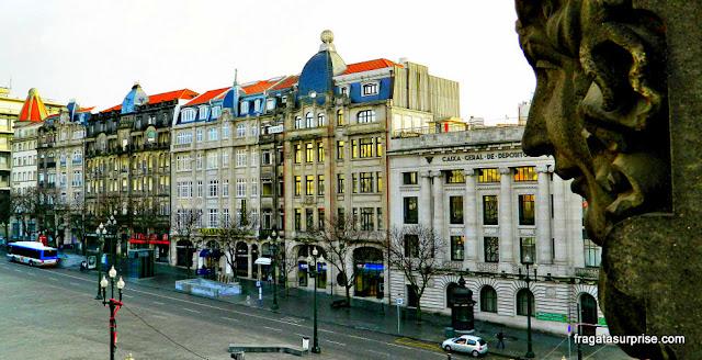 Avenida dos Aliados, no Porto, vista do balcão de um apartamento do Hotel Aliados