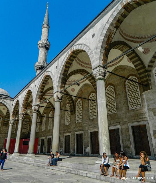 Pátio interno da Mesquita Azul, em Istambul
