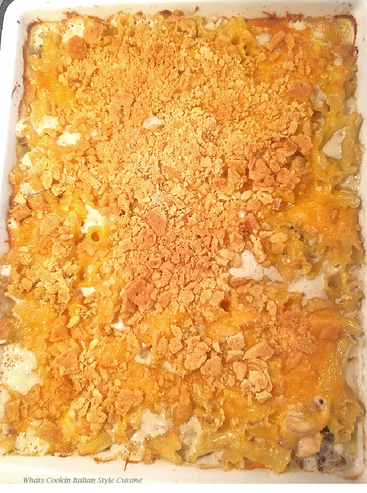 this is a cracker topped all in one meal casserole. this is a homemade cheese sauce all in one pan pasta and chicken dish. Baked all in one meal.