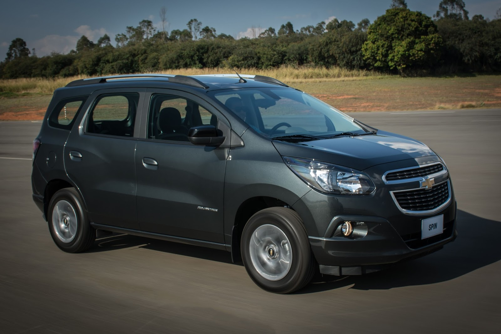 2017 Chevrolet Spin 2017 expands lineup and is 30% more economical on testimoni chevy spin, car spin, mobil spin, hummer spin, honda spin,