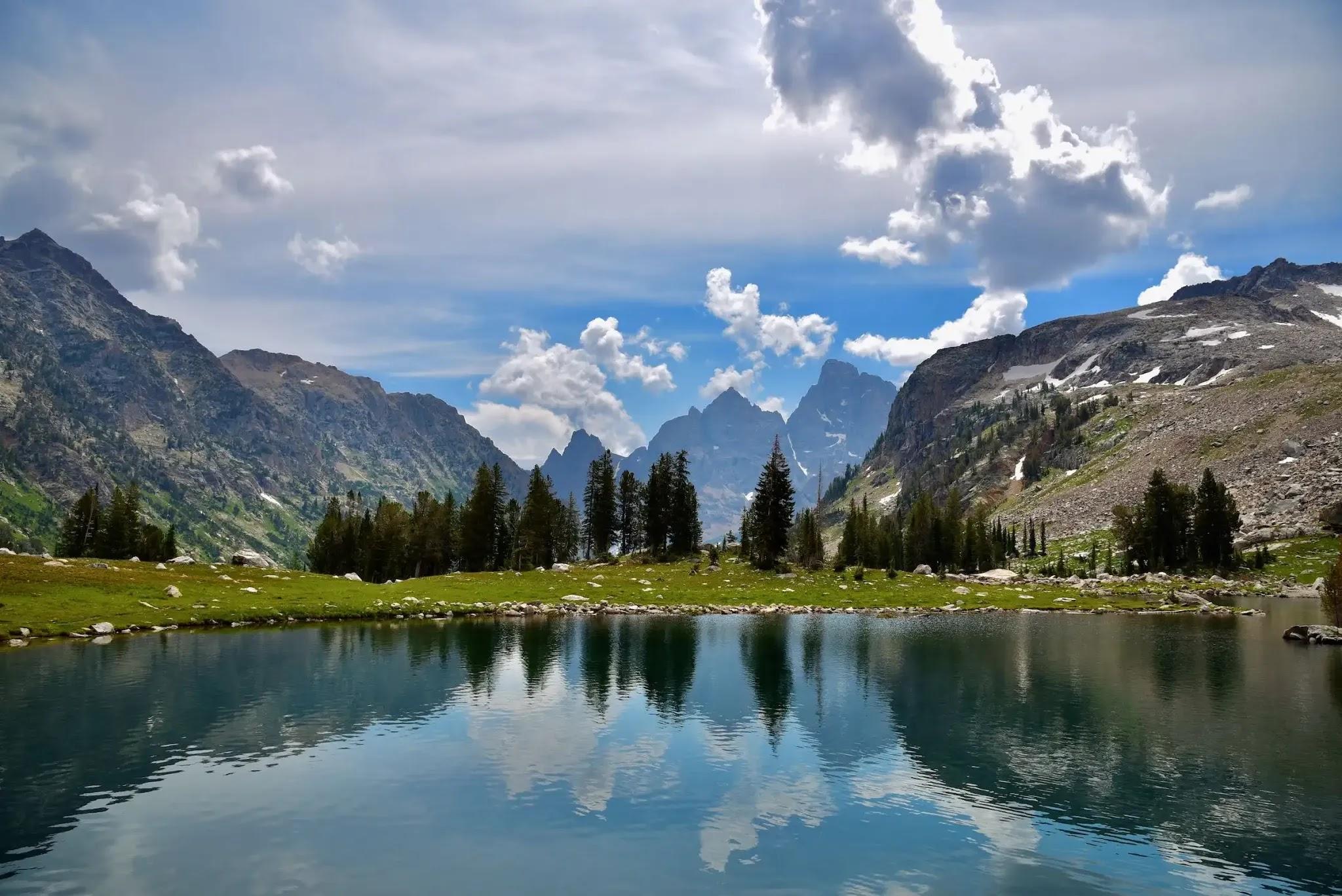 Озеро Одиночество парка Гранд-Титон
