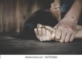 यूपी में एक 60 साल के बुजुर्ग ने अपने पड़ोसी की 13 साल की बच्ची को किया बड़ी बेरहमी से  बलात्कार (rape)