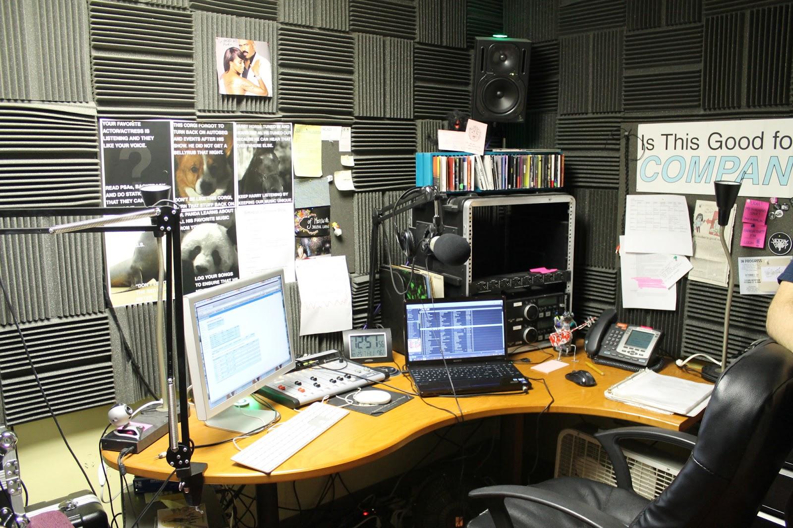 Spinning Indie Radio Station Field Trip 39 Scad Atlanta