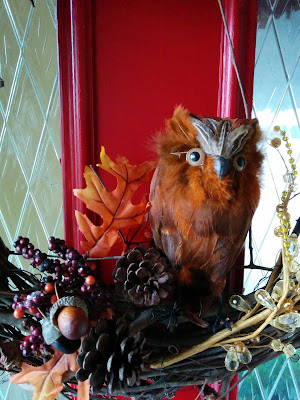I love owls!  This one was so pretty I had to put him in my Fall wreath