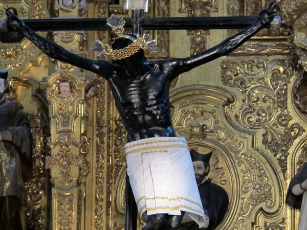 Crazy Pictures: Black Jesus Statue Images