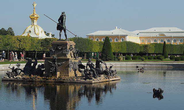 Петергоф, фонтан Нептун (Peterhof, Neptune Fountain)