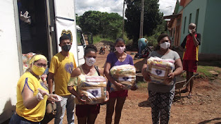 Caravana da LBV, leva Natal às famílias pobres da PB