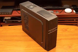 家庭向けのスリムな PC は SFX 電源が搭載されている可能性が高い