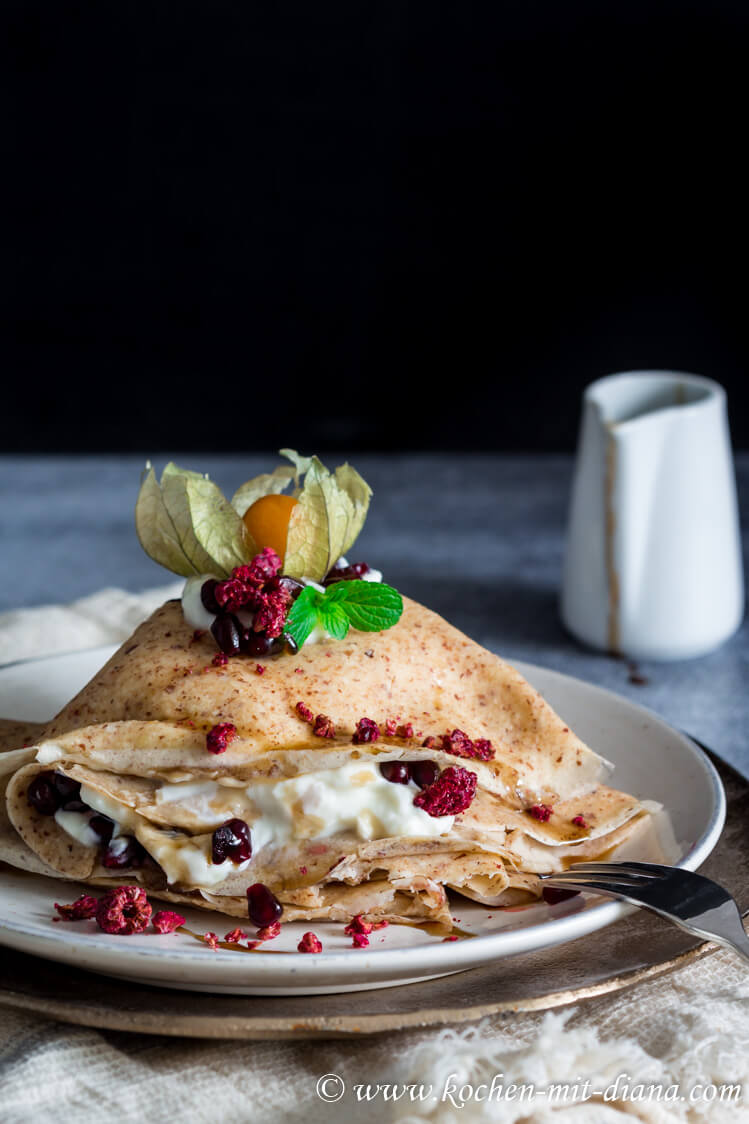 Mandeln Pfannkuchen mit Ricotta Honig Füllung
