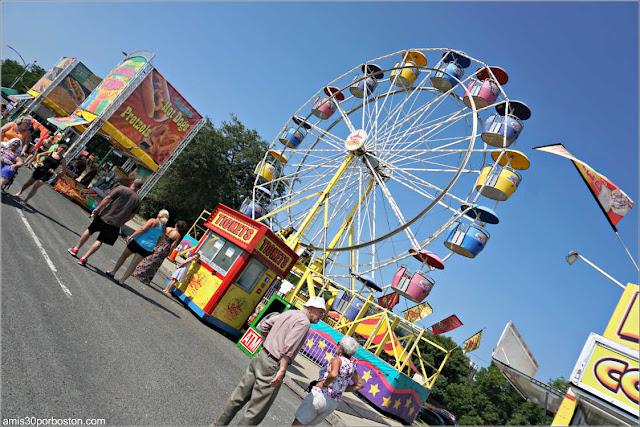 Atracciones en el Festival Internacional de Esculturas de Arena de Revere, Massachusetts