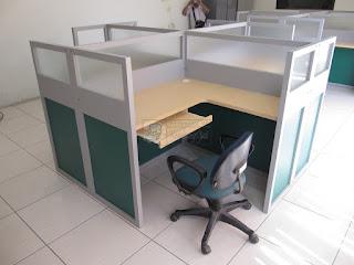 Cubicle Workstation 4 person Meja sekat 1 set 4 orang