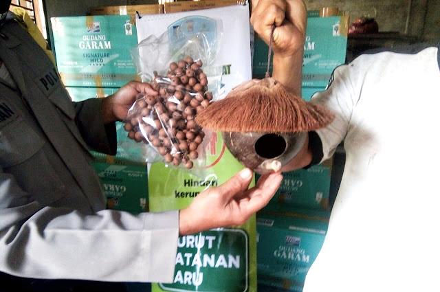 Kerajinan batok kelapa di Lombok Barat tembus pasar Belanda