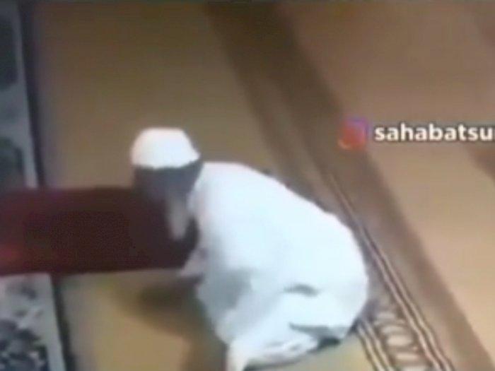 Detik-Detik Pria Paruh Baya Meninggal saat Sedang Tunaikan Salat Sunah di Masjid