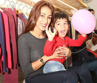 Pooja With Kid